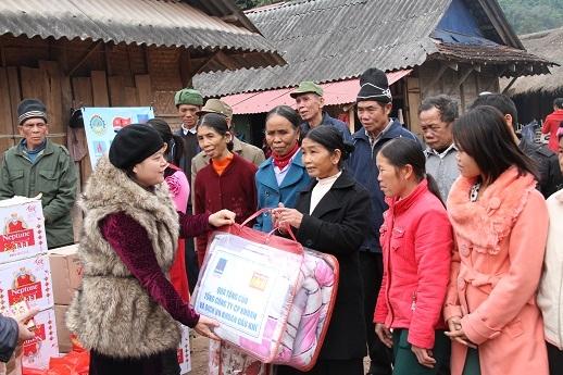 Tư vấn chọn quà tặng từ thiện cho trẻ em nghèo