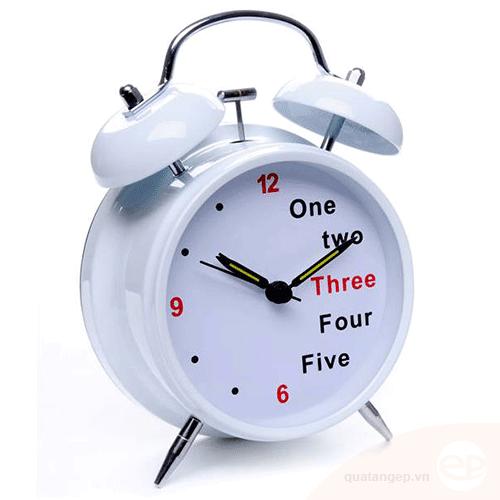 Đồng hồ để bàn 02