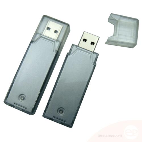 USB nhựa 12